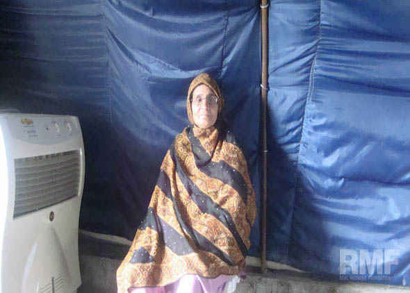 woman in pakistan receiving medical care